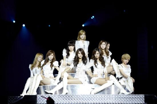 "SNSD Captivates Singaporean Fans with ""2011 Girl's Generation Tour"""