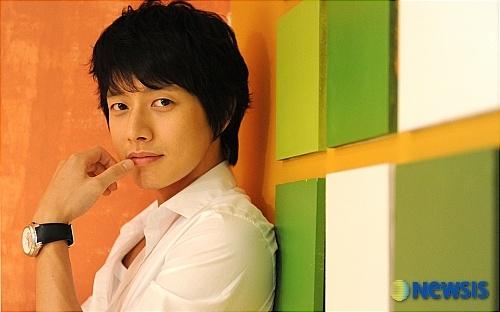 Park Hae-Jin [박해진]… the next Bae Yong-Jun?