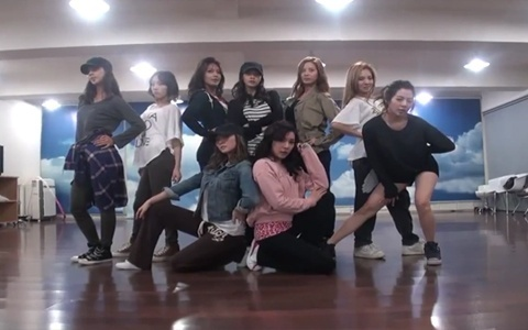 """Girls' Generation Releases """"The Boys"""" Dance Practice"""