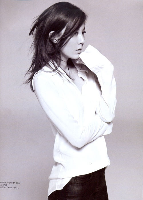 "Kim Ha Neul Shows Minimalist ""Goddess"" Beauty in Vogue Korea"