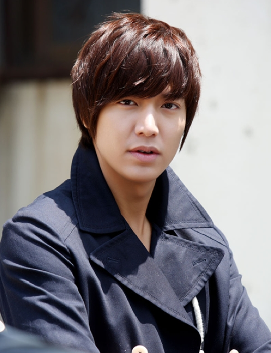 """""""City Hunter"""" Lee Min Ho's Popularity in China Continues"""