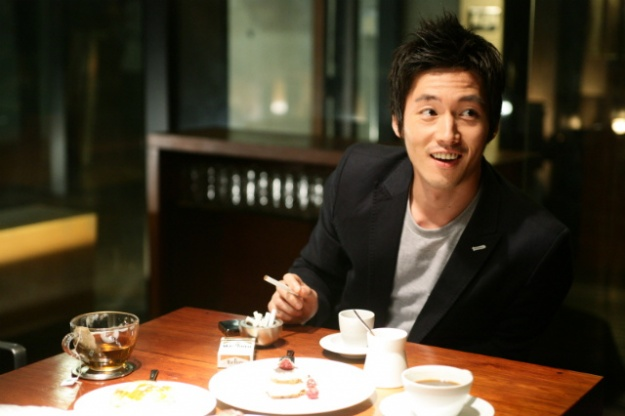 Jang Hyuk Wore Tights to Get with His Wife