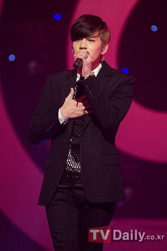 "Se7en Supports Lee Seung Hoon from ""K-Pop Star"""