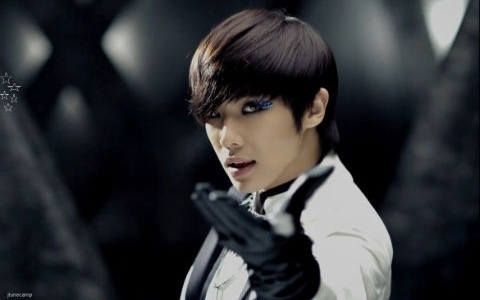 "MBLAQ Lee Joon Stopped Drinking after Shock from Watching His ""Mr. L Video"""