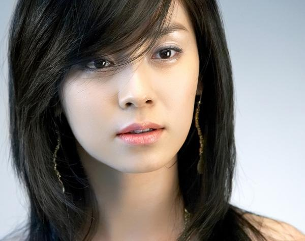 Song Ji Hyo: A Star That Remains Bright