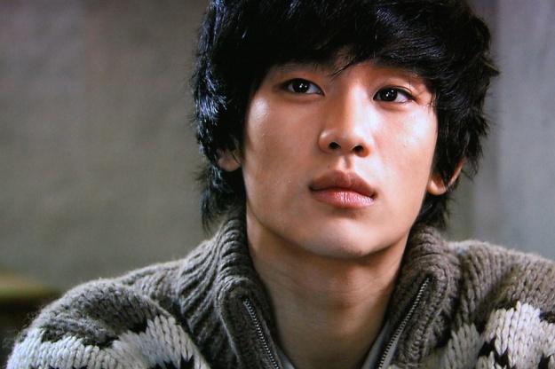 "Kim Soo Hyun, Korea's ""CF King"""