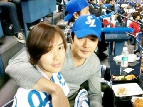 Kwon Sang Woo and Son Tae Young's Date at a Baseball Game