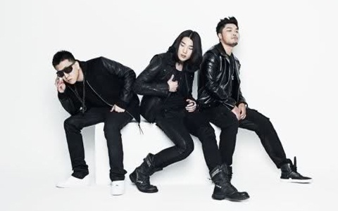 Aziatix Hits #1 on Japanese R&B/Soul Charts