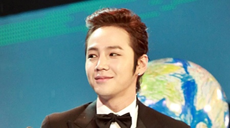Jang Geun Suk Wins CMA's Most Influential Korean Artist Award
