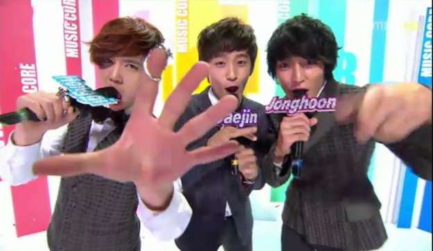 MBC Music Core 02.04.2012