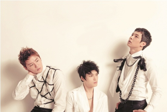 "JYJ: ""Changmin and Yunho Frequently Appear in Our Dreams"""