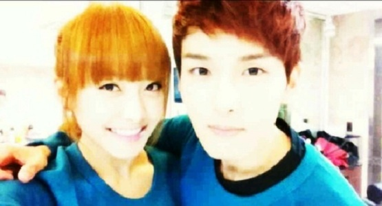 "f(x) Victoria Becomes ""Best Couple"" with Super Junior Ryeowook"