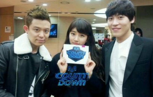 "Mnet ""M! Countdown"" – Mar. 1, 2012"