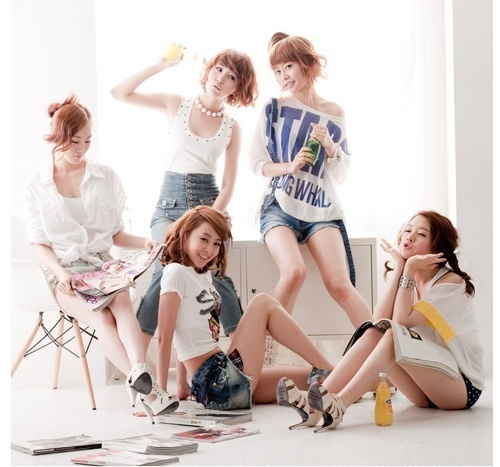 """Girl's Day Reveals Concept Image of """"Hug Me Once"""""""