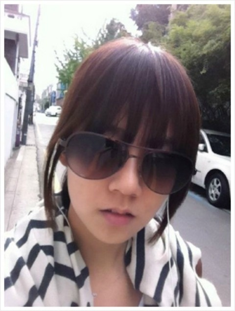 KARA's Han Seung Yeon Reveals 'One in a Million' Sunglasses