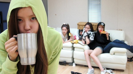 T-ara Releases Photos of their Trainee Days and Make Up Free Faces
