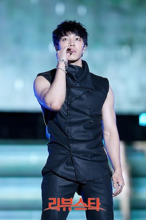 "Lee Ki Kwang Apologizes for Calling Seo Taiji ""Mr. Seo"""