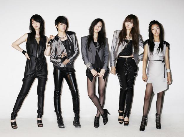 f(x) Inkigayo Triple Crown Celebratory Shot!