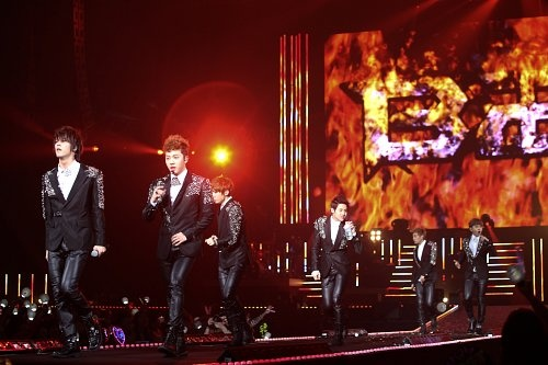BEAST Continues on with Successful Japanese Concerts