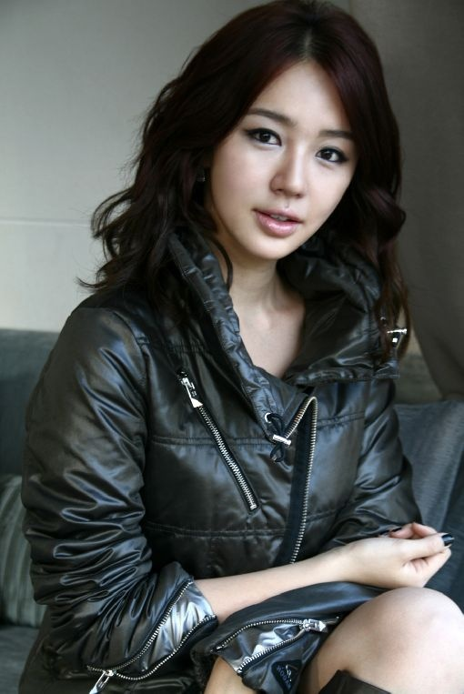 Yoon Eun Hye Tweets about Her Excitement for Snow
