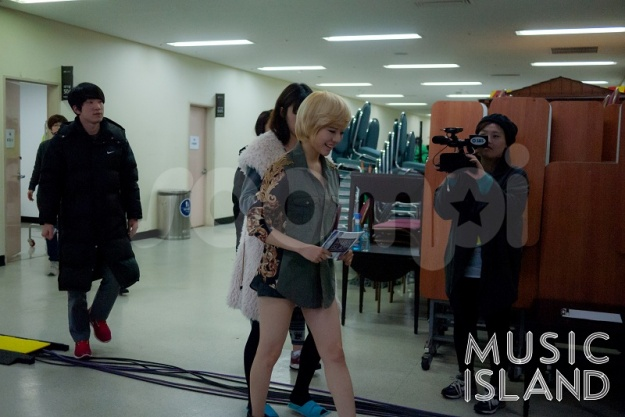 """[Exclusive] BTS Photos of Sunny, B.A.P, Rainbow, and More from SBS MTV """"Music Island"""""""