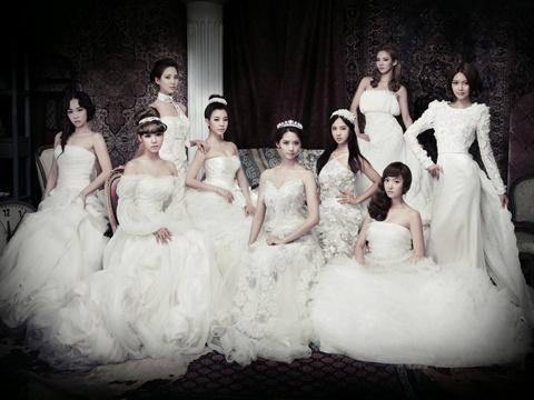 Old Photos of Girls' Generation Pique Netizens' Interest