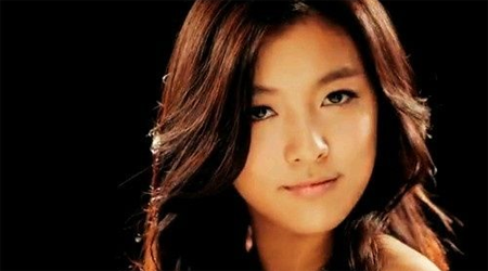 f(x)'s Luna Wows Us With Her Vocals