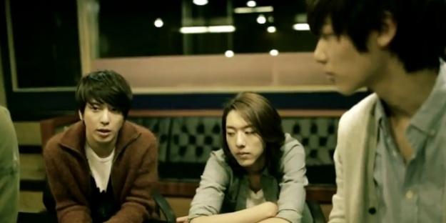 cn-blue-names-third-mini-album-ear-fun_image