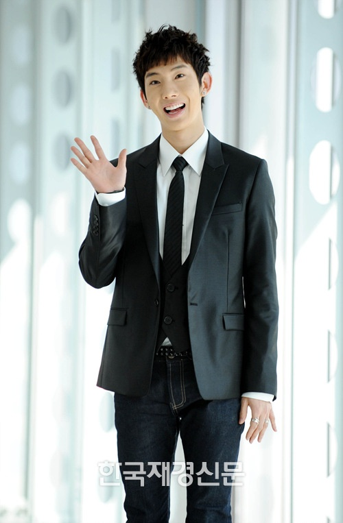2am-jo-kwon-reveals-report-card-from-trainee-days_image