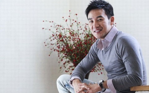 Actor Uhm Tae Woong Reveals Photos of Lookalike Daughter