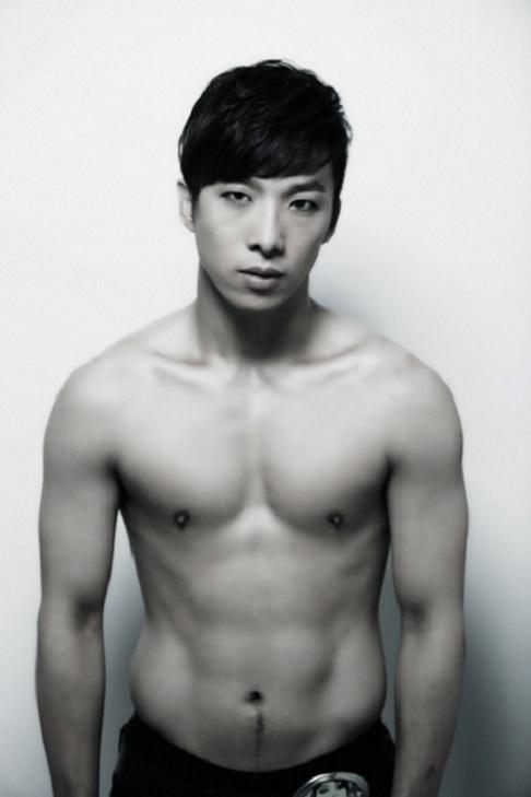 Taeyang's Older Brother to Debut Soon