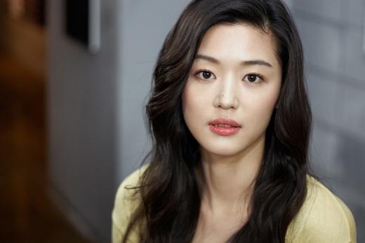 Jeon Ji Hyun's Marriage Is Pushed Forward to April 13