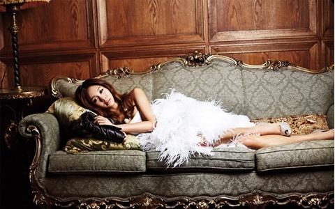 """G.NA's """"Top Girl"""" Mini Album a Success"""