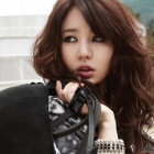 Yoon Eun Hye Goes Back to School