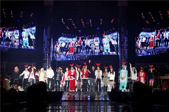 JYP Nation Performs First Joint Concert on Christmas Eve