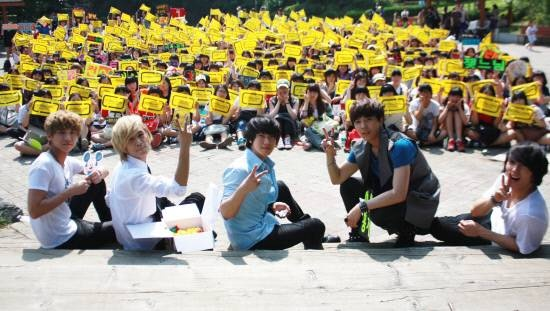 FT Island Celebrates 4th Anniversary with a Surprise Fan Meeting