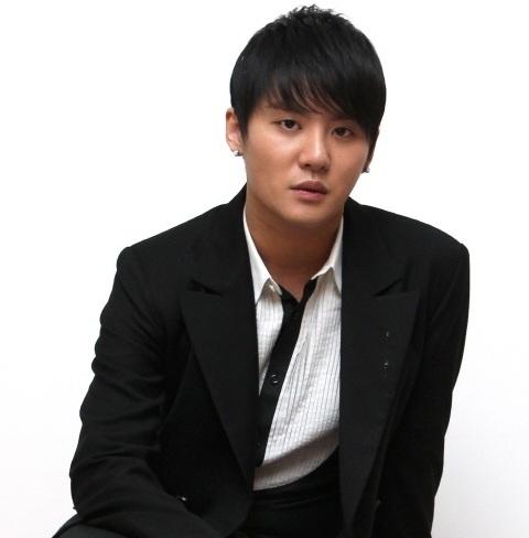 "JYJ's Kim Junsu: ""I Am Sick"""