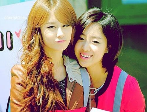 T-ara Jiyeon and Eunju...