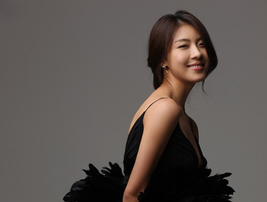 """Ha Ji Won Talks About Injuries and Her Love for Action Scenes on """"Win Win"""""""