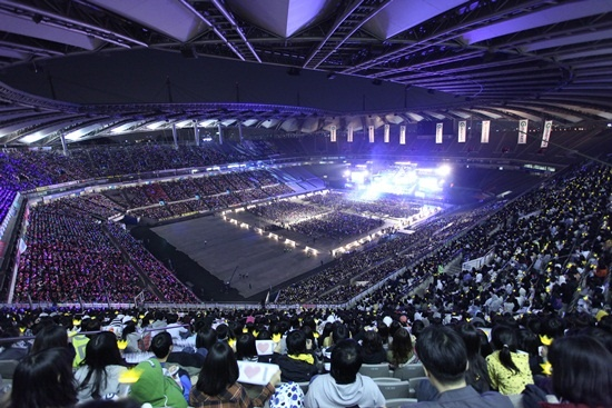 """Dream Concert 2011"" with KARA, DBSK, BEAST, 4Minute, 2PM, SHINee, T-ara, etc. Held in Seoul"