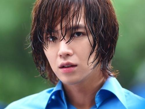 """Jang Geun Suk Is a Romantic Artist in """"Love Rain"""""""