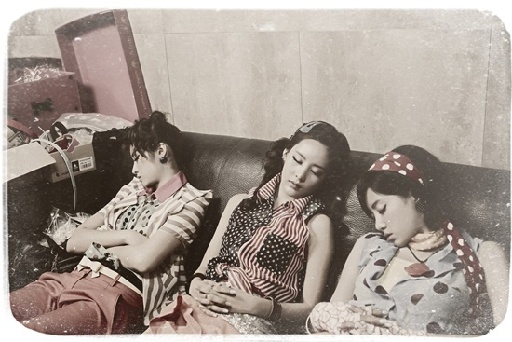 T-ara Drifts Off to Dreamland at Roly-Poly MV Set