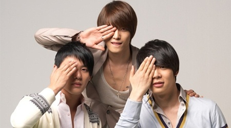 JYJ Suspends Japanese Activities