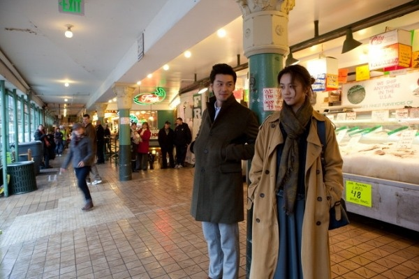 """Hyun Bin and Tang Wei on the set of """"Late Autumn"""""""