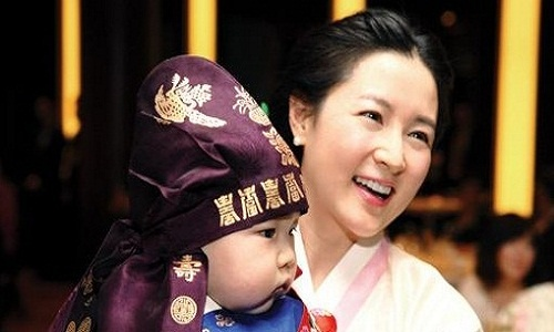Lee Young Ae's Twins' First Birthday Party Photos