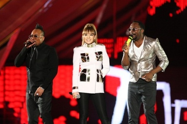 "Will.I.Am: ""2NE1 Is Coming Out Crazy"""