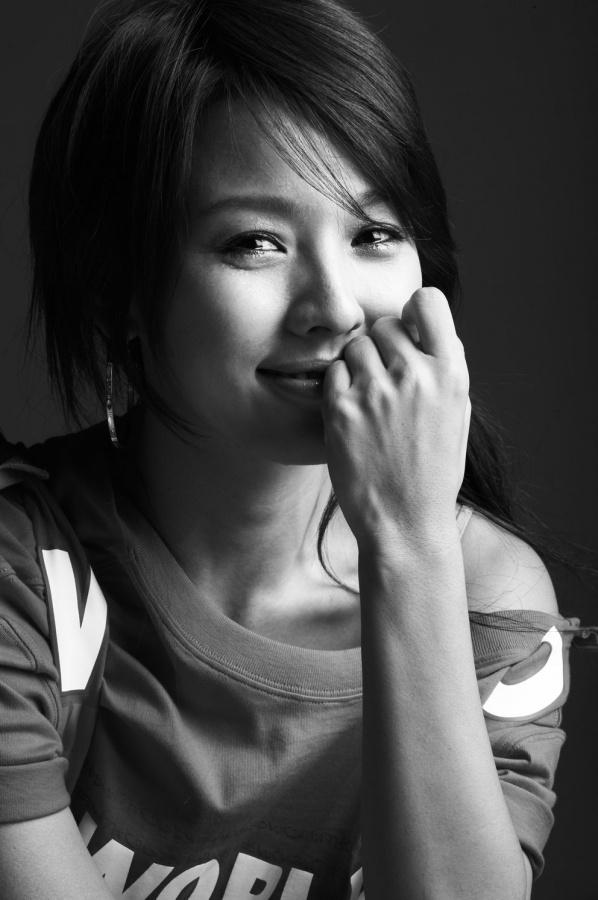 Lee Hyori Becomes a Columnist