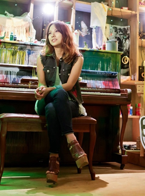 Lee Hyori Wants John Park and Busker Busker on Her Show