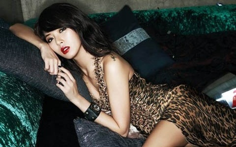 4minute's HyunA Voted as Idol with Most Kissable Lips