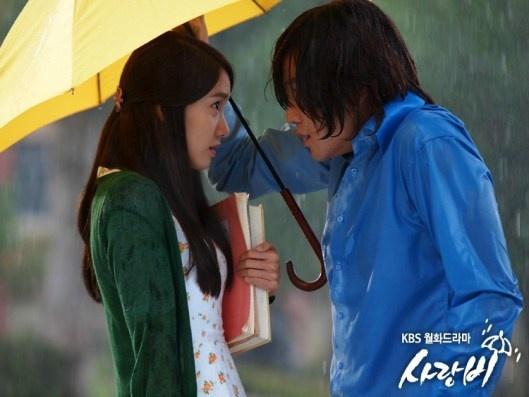 "Jang Geun Suk and YoonA's ""Love Rain"" Filming in Japan Attracts Massive Fans"